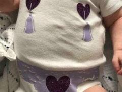 Бабушка подарила маленькой внучке шутливый наряд стриптизёрши