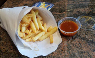 Гурман не представляет свою жизнь без ежедневной порции картошки фри