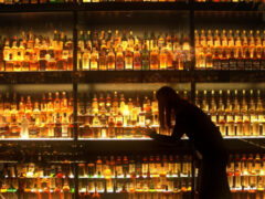 Благородный напиток: как правильно выбрать виски?