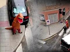 Динозавру, опасающемуся вируса, пришлось объясняться с полицией