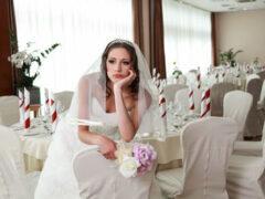 Невеста, подобравшая обувь для свадьбы, удивила многих своим выбором