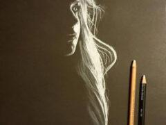 Создавая женские портреты, художник играет со светом, тенями и силуэтами