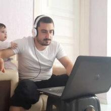 Дочка не дала папе спокойно поработать дома