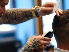 Как подстричься дома, когда все парикмахерские закрыты на карантин? (ВИДЕО)
