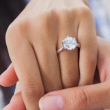 Женщину с тремя обручальными кольцами посчитали слишком требовательной и испорченной
